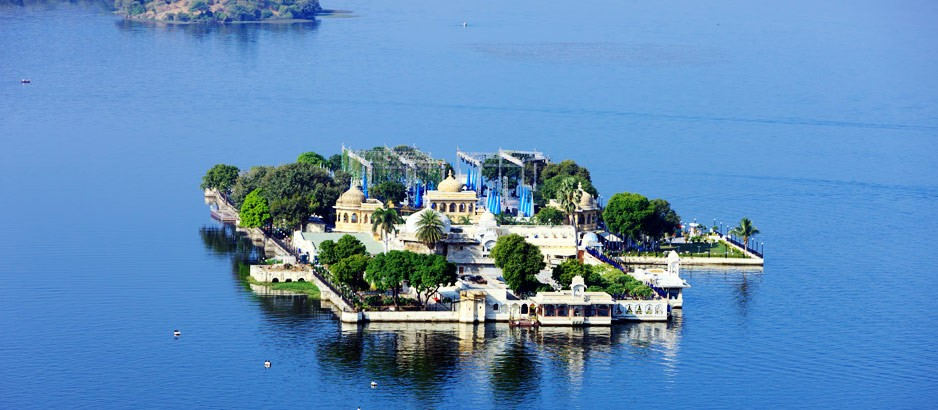 Lake Pichola Hotel Booking